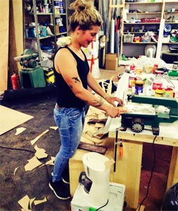 Steffi Jorna aan het werk